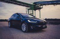 Tesla Model X90D Miete Fahren Kaufen Mietwagen Leihwagen Steinbruch Dämmerung SUV Allrad emobility greenspeed Deutschland Aachen Rheinland Eifel Auto Elektro Händler Neufahrzeug Neuwagen kaufen